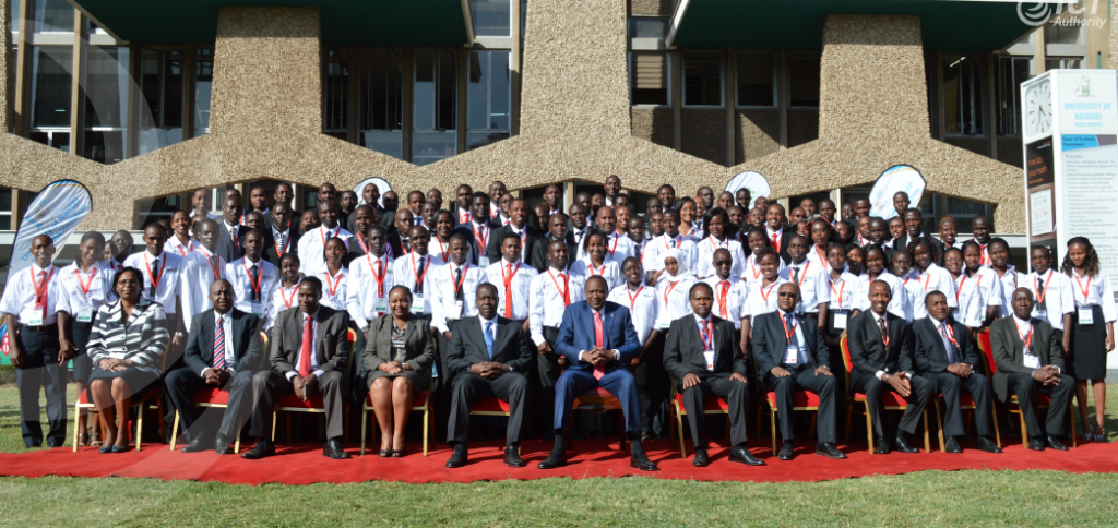 The 100 graduate trainees pose for a photo with HE President Uhuru Kenyatta and other dignitaries at the University of Nairobi during the launch of the Presidential digital programme