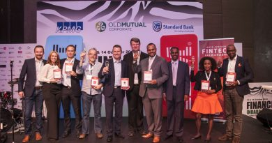 Cellulant's Ken Njoroge (pictured right) with the winners of the African FinTech 2016 in Johanesburg, South Africa at the conclusion of the Awards.